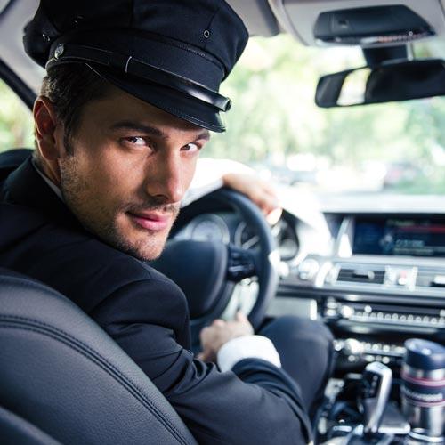 Luxusautó és saját sofőr